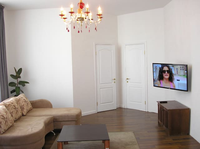 "Apartment near ""Osokorky"" station - Kiev - Leilighet"