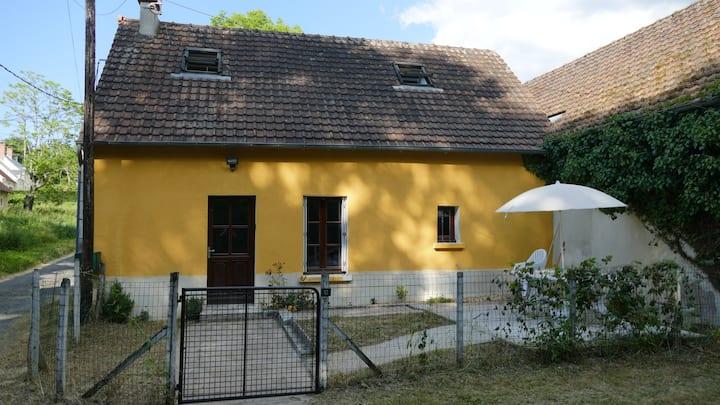 La Maison Jaune à 12 min du Zoo de Beauval (2-6 p)