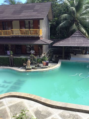 Grand Desa Resort - Cikakak - Boutique hotel