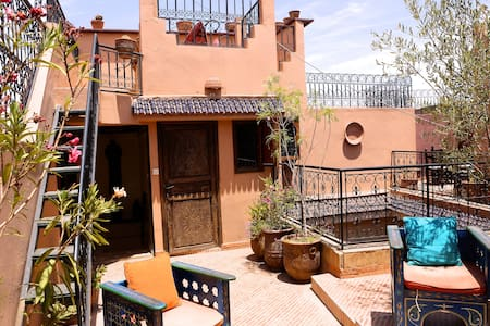 Bright double room, great location! - Marrakesh - House