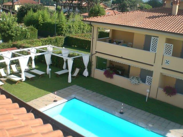 Spacious flat- beautiful residence - Capanne-Prato-Cinquale