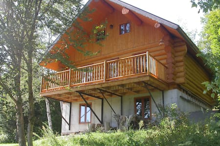 Superb roundwood cottage for rent - Lac-aux-Sables
