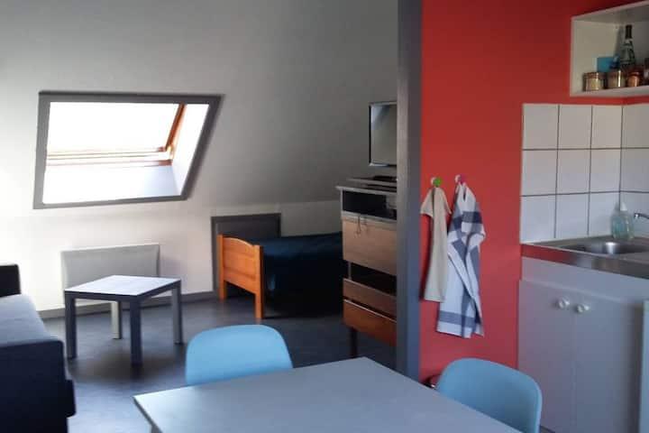 Studio, rue piétonne au centre ville de Besançon