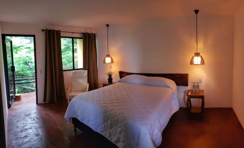 Juayua's lovely getaway in private beautiful room