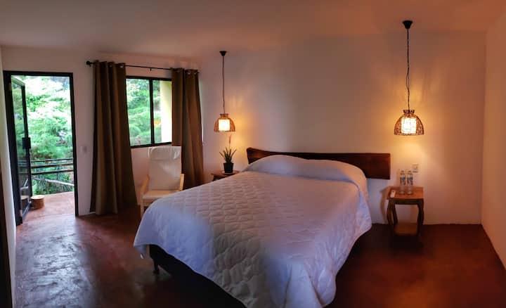 Juayua's lovely getaway in private beautiful room