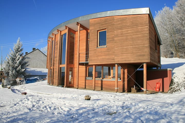 Spacious, modern and passive house - Villers-le-Bouillet - House