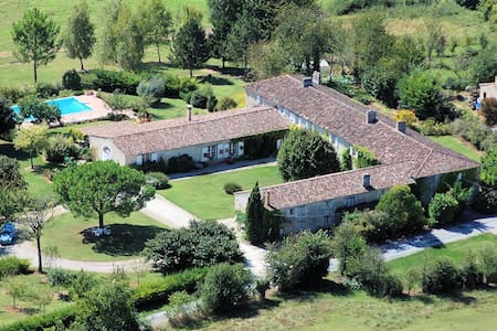 Bed and breakfast in french Manor  - Sainte-Gemme - Bed & Breakfast