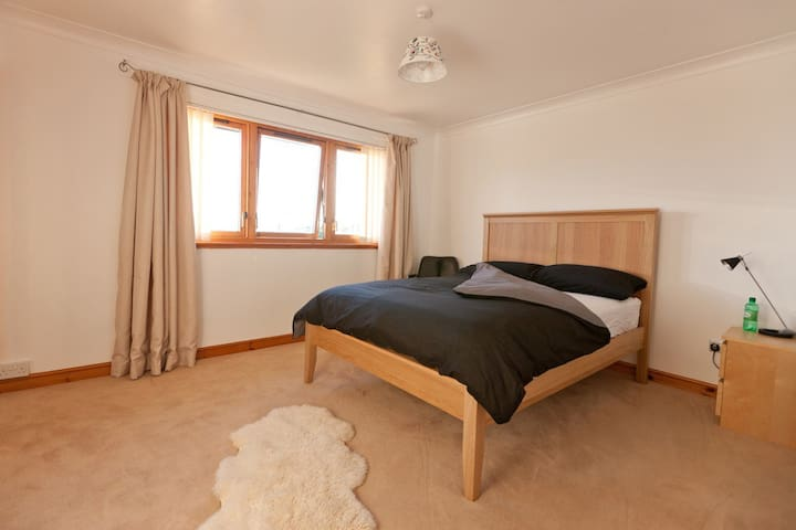 Double ensuite room, sea view, wifi - Skelmorlie - House