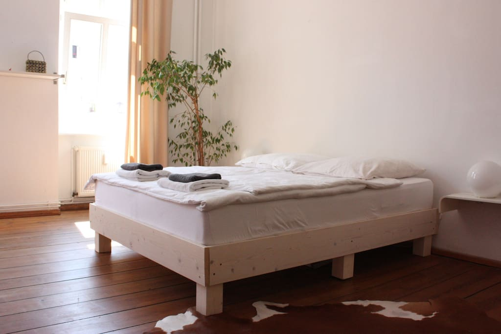 Double bed 160 x 200, two separate mattresses