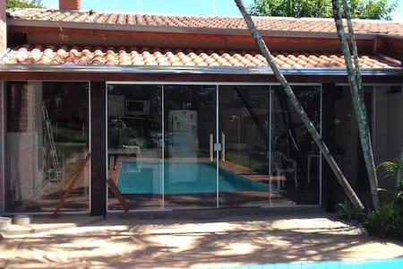 FARMHOUSE with pool, $ price per person - Limeira - Blockhütte