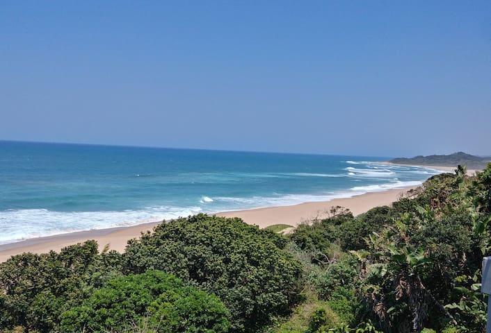 DOLPHIN VIEW, 23 Magai Drive, Zinkwazi Beach