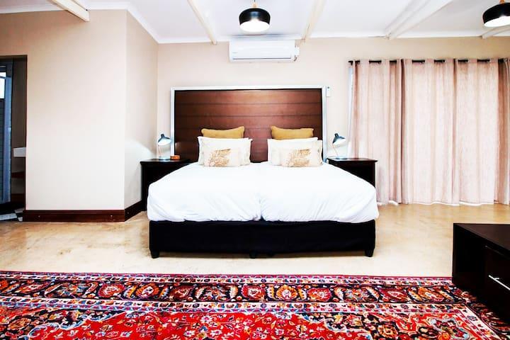 Modern suite near Port Elizabeth Airport