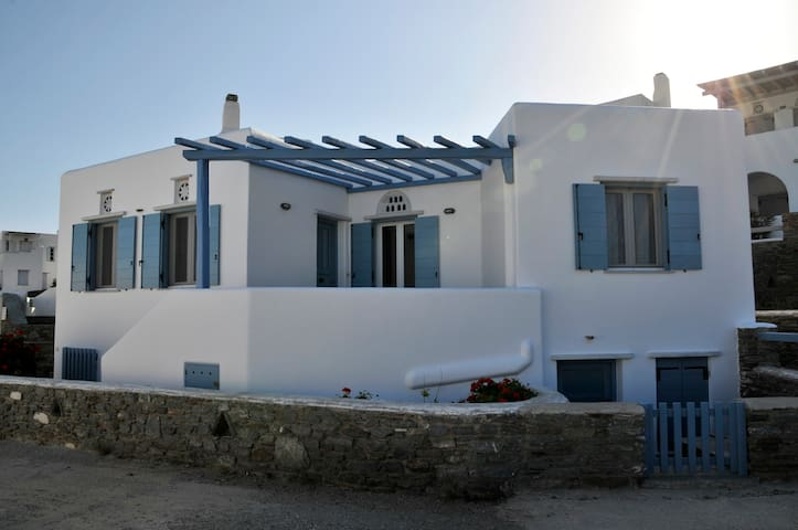 House by the sea - Tinos - Casa
