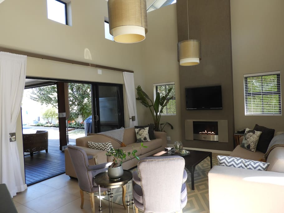 2nd informal lounge with gas fireplace