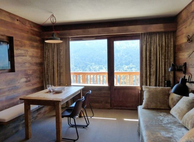 Nice studio for 4 persons in Meribel close to the slopes in Le Morel neighbourhood