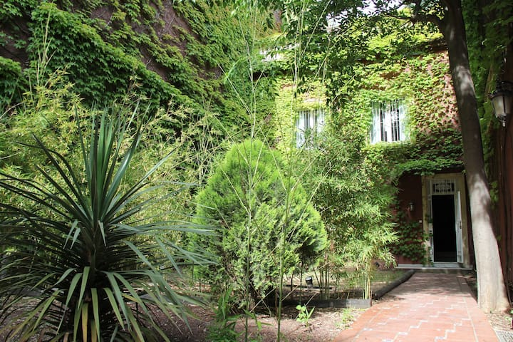 Amazing City Villa & Great Garden - Barcelona - Huis