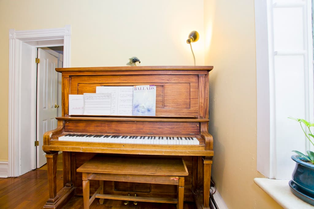 1919 M. Shwartz Piano from Chicago