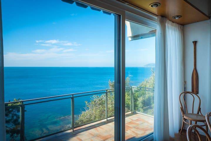 Villa sulla scogliera con accesso diretto al mare - Castiglioncello - Villa