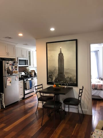 Entire Beautiful Brownstone apartment for a Week!