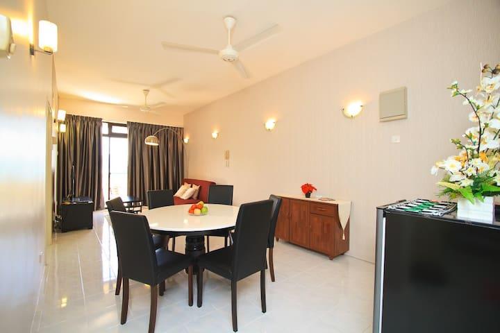 Penang Island Holiday Apartment - Batu Feringgi