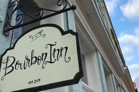 The Bourbon Inn, Single Barrel Suite