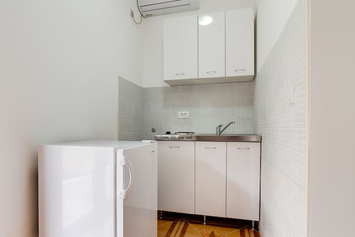 Twin Studio Apartment with Kitchenette & Terrace