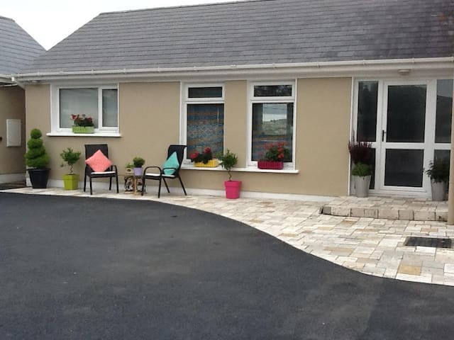 Wild Atlantic Way - 2 Bedroom Suite - Dungloe - Lägenhet