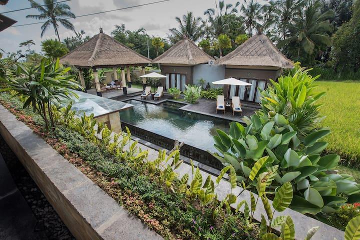 Villa Cendrawasih Superior Room