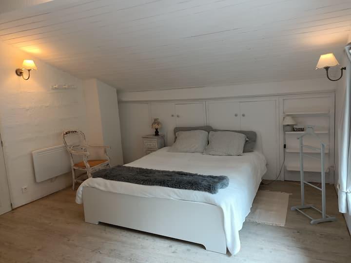 chambre grande avec charme  à 5 mn Bayonne