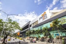 Centro Comercial Premium Plaza ubicado a 2.2 km de distancia.