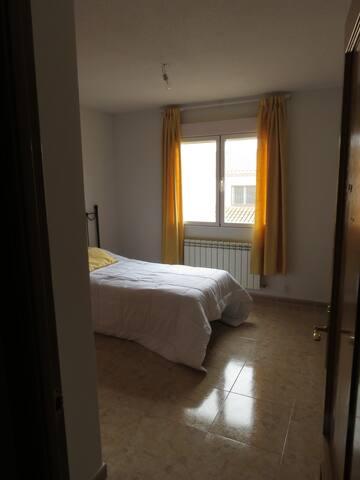 Habitación privada con wifi y baño compartido - Illescas - Casa adossada