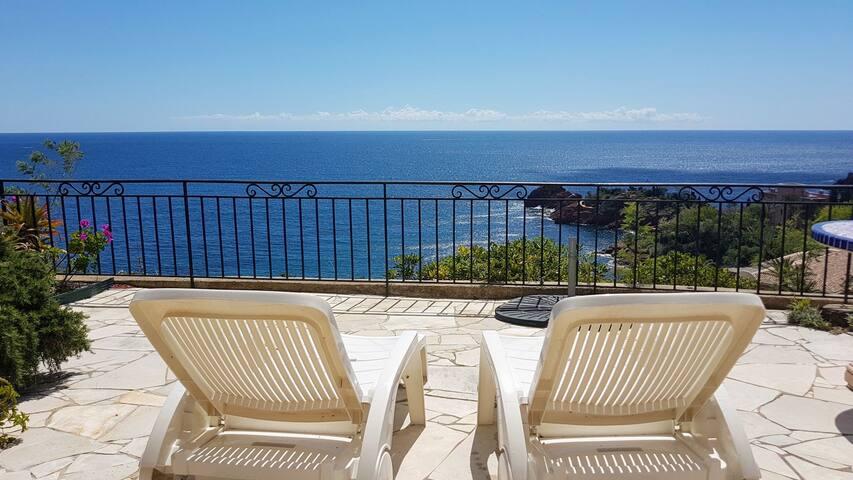 Superbe villa sur la côte d'Azur vue paradisiaque