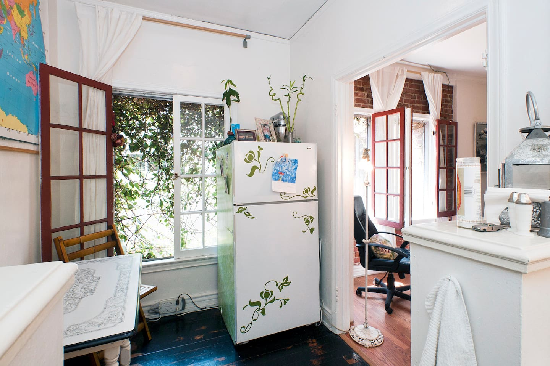 Cozy vintage Venice Beach studio