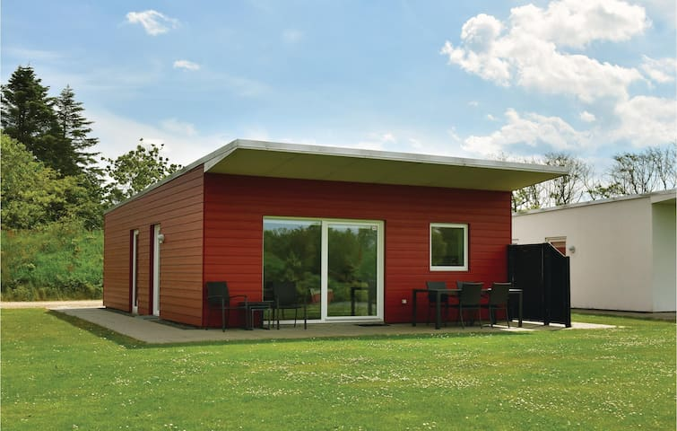 Holiday cottage with 3 bedrooms on 71 m² in Ringkøbing