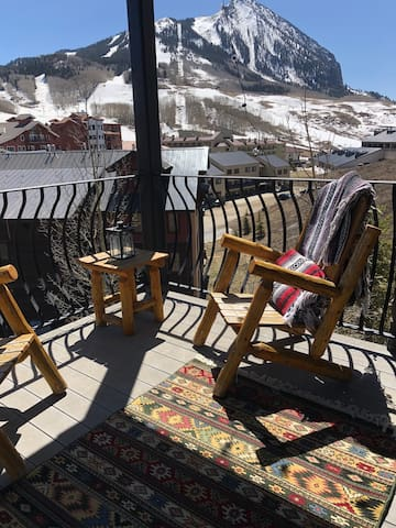 Relax on our balcony and enjoy the breathtaking views of Mt. Crested Butte!