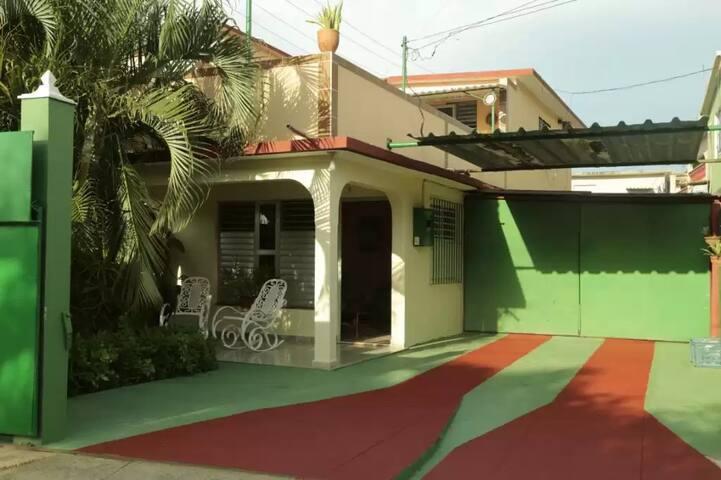 Mara 1 Santa Marta(Varadero) - Varadero - Bed & Breakfast