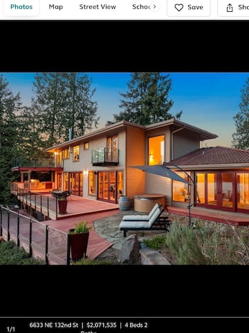 Bright view spacious home in Kirkland