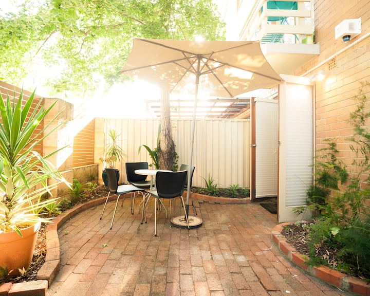 Work from home/ retro apartment: courtyard & wifi