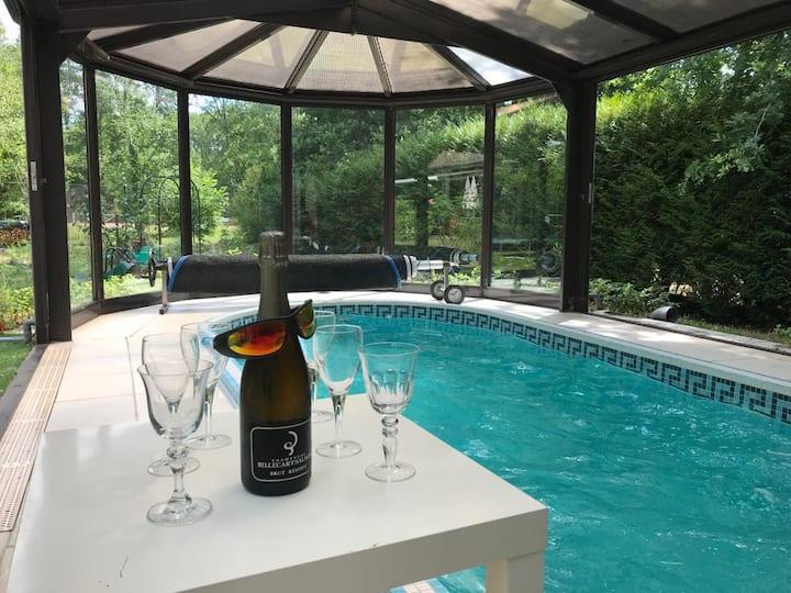 Villa familiale_Spa de nage/Tennis_Trois Pignons