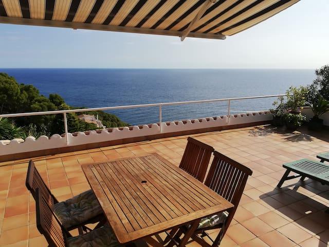 Apartment(74m2),air-cond,pool & fantastic sea view