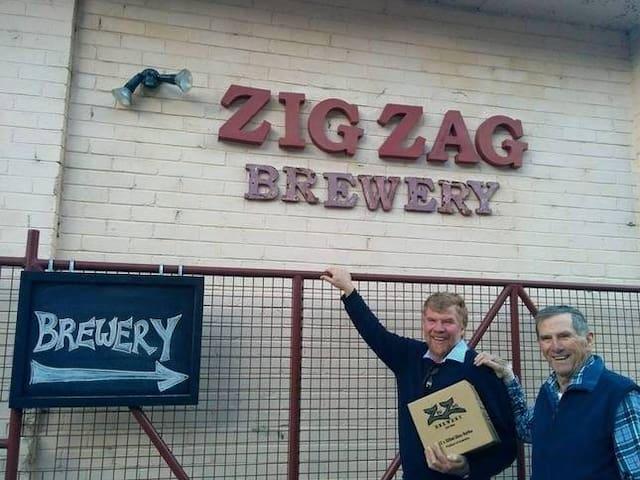 Blue Mountains Beer Zig Zag Beer Cottage