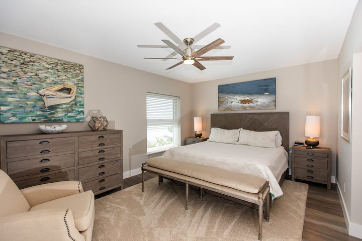 VILLA SANIBEL 1E- STILL OPEN FOR SEPTEMBER 23RD-OCTOBER 3RD! LUXURY STYLE CONDO ON SANIBEL AND CLOSEST ONE TO THE GULF!