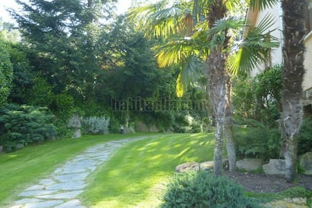 Especial villa con jardin en Parc Cerralada Litor - Vallromanes - Huis