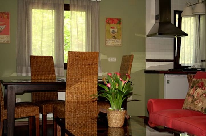 """Apartamento """"Las Cascadas"""" - Miraflores de la Sierra - Lägenhet"""
