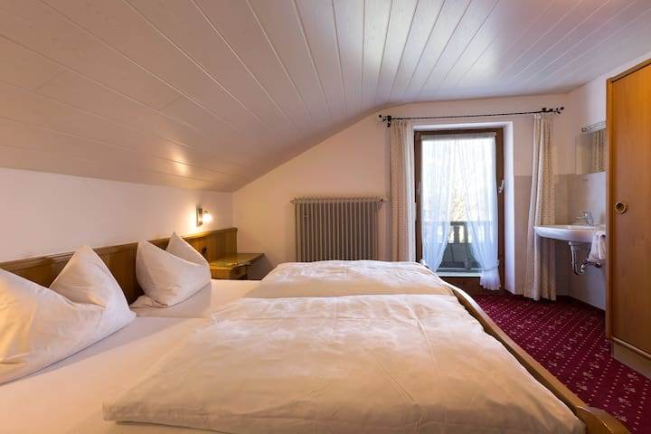 1. Schlafzimmer, Dreibettzimmer