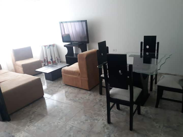 Apartaestudio 2cuartos+cocina,sala WIFI.CENTROCIUD
