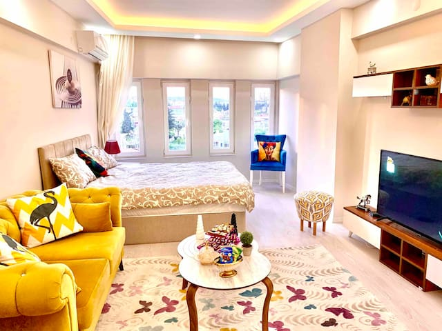 Stunning Bright Cosy  Centrally Located
