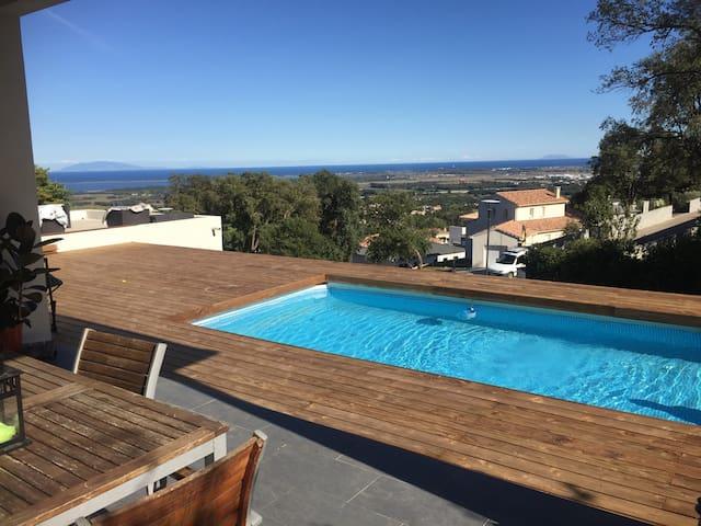 villa moderne piscine et vue mer - Borgo - Hus