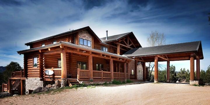 East Zion Lodge Sleeps 35