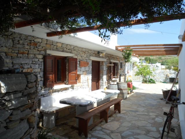 """Mitato"" traditional house in Naxos - Naxos - Casa"
